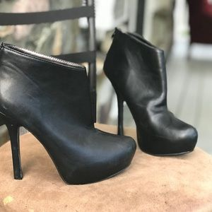 Forever 21 black ankle boots shoes size 7